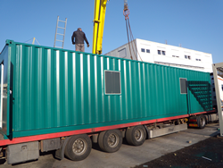 Umgebauter 12 m Seecontainer als mobile Photovoltaikprüfstation